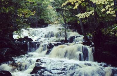 La cascade au printemps